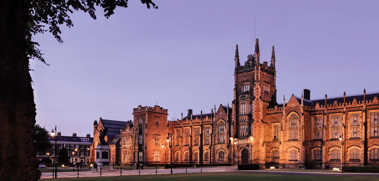QUEEN UNIVERSITY BELFAST - 1 trong những trường đại học hàng đầu thế giới trong lĩnh vực nghiên cứu